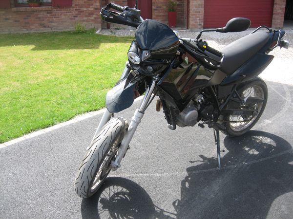 MZ SM black 125